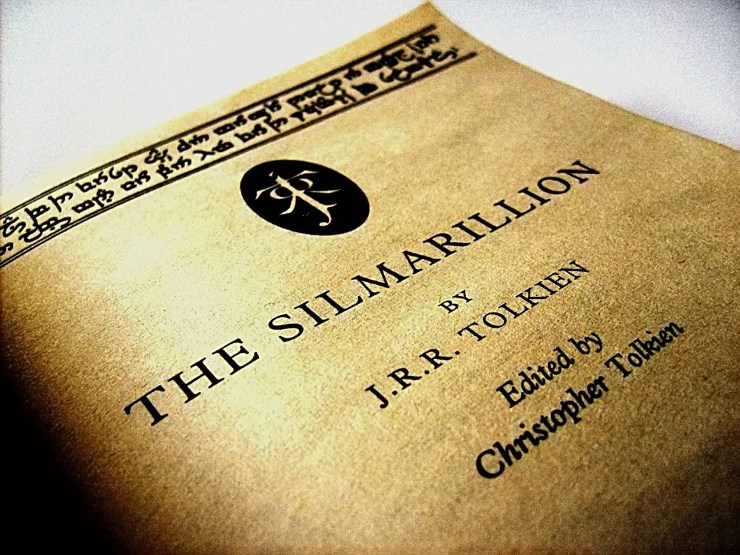 silmarrillion2c_just_under_the_cover